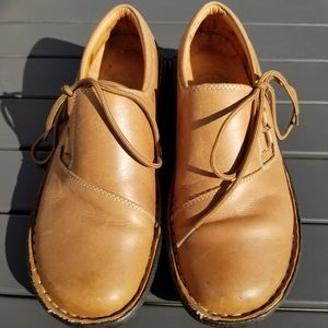 UC leather casual shoes
